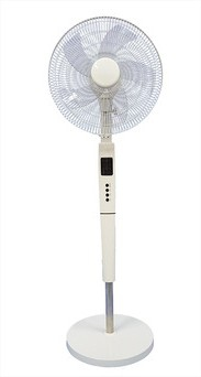 2020 new design DC standard electric round base white 16inch rechargeable stand fan